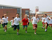 中美教育差别何在:为啥这么多人赴美读高中