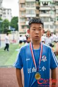 """那个踢出""""世界波""""红遍广州的男孩说:要低调,继续努力,向职业球员进发"""